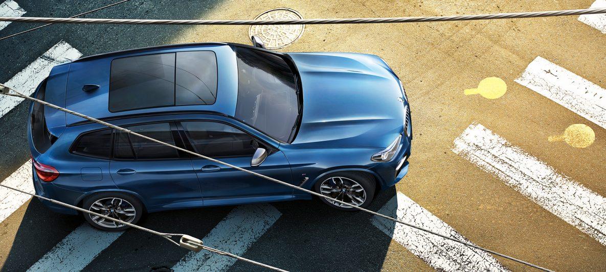 BMW X3 M40i, Vogelperspektive Dach und Motorhaube