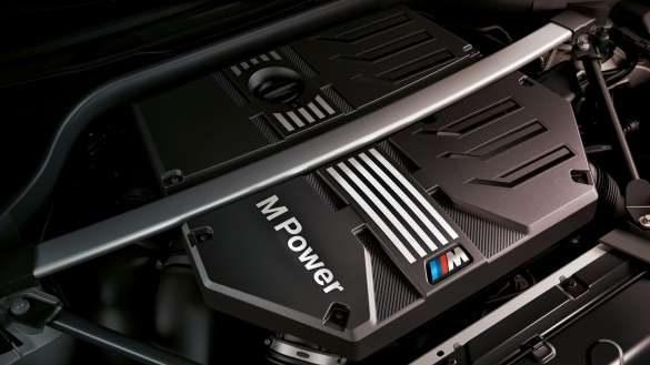 BMW X4 M Competition F98 LCI Facelift 2021 BMW M TwinPower Turbo Reihen-6-Zylinder Benzinmotor Nahaufnahme